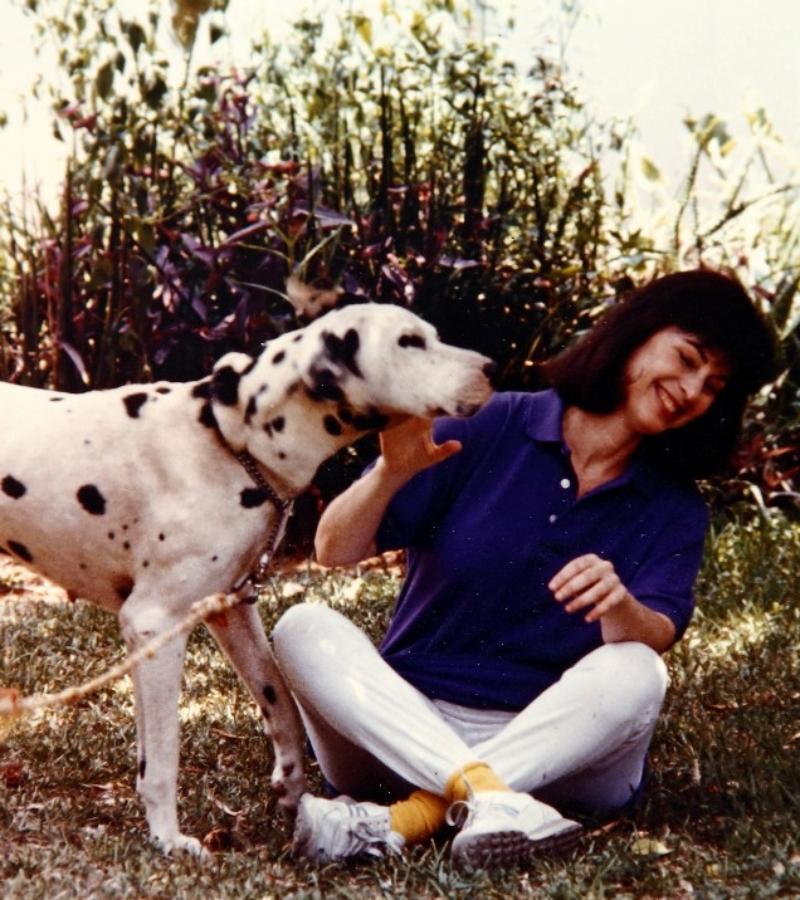 נורית עם הכלב בלנקו