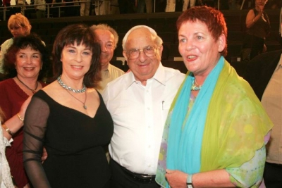 with former President Yitzhak Navon and Sara'le Sharon